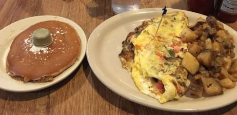 omellete and potatoes